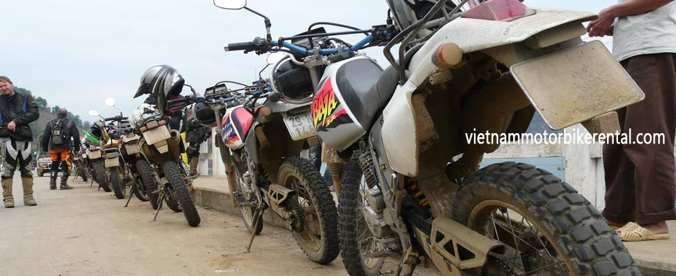 Honda dirt bike XR250 motorbike rental in Hanoi, Northern Vietnam. Either for guided or unguided motorbike tours.