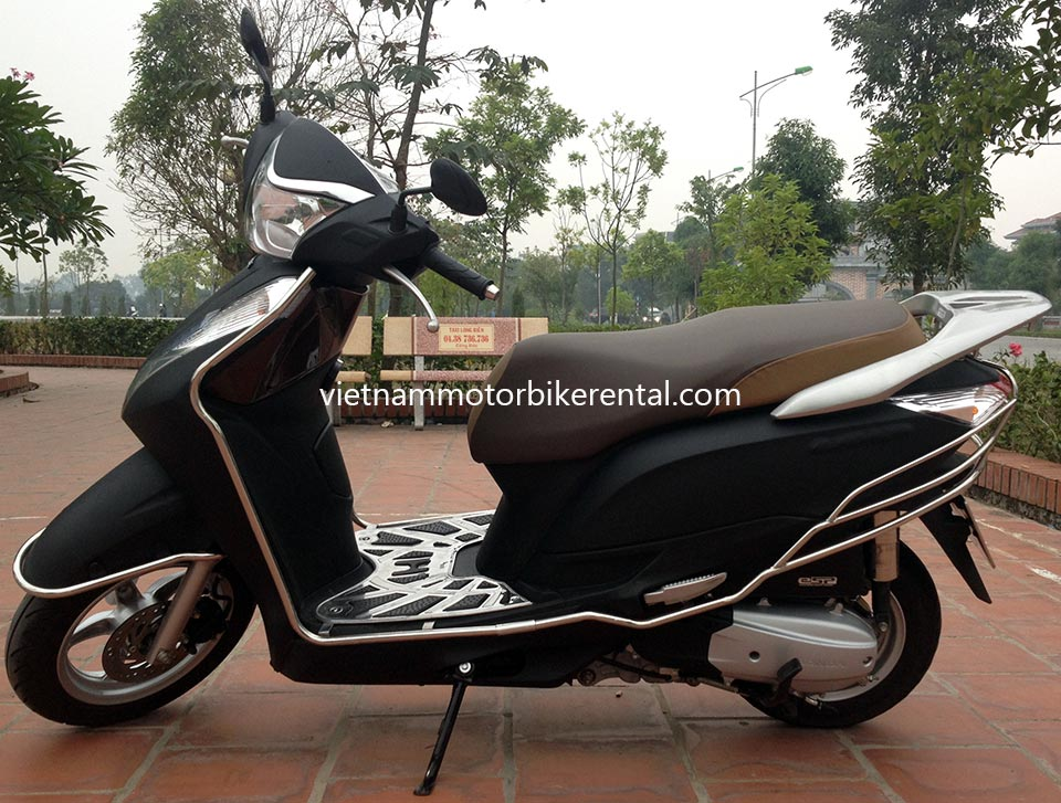 Vietnam Motorbike Hanoi Rental - Scooters For Beginners. Vietnam Motorbike Hanoi Rental provides moped scooter tours and rentals in Hanoi. This is a 2014 black Honda Lead 125cc with front disk brake.