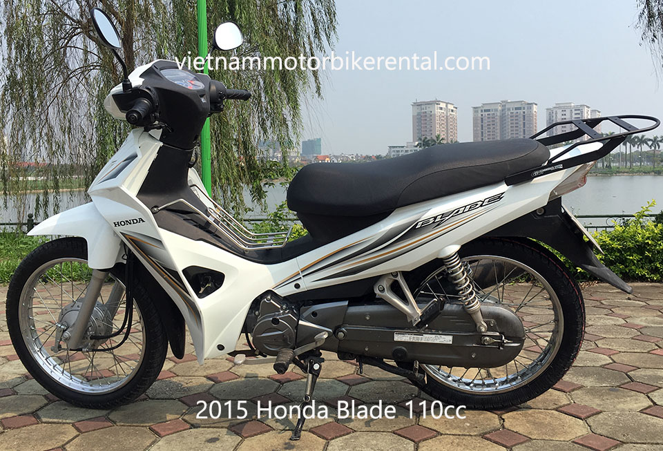 2015 Honda Blade 110cc used touring motorbikes for sale in Hanoi.