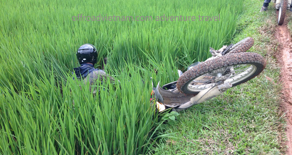 Vietnam Motorbike Hanoi Rental - Tour Guide Rental For Your Vietnam Motorbike Tours. Tour Guide Rental For Your Vietnam Motorbike Tours helps avoiding accident or off pist