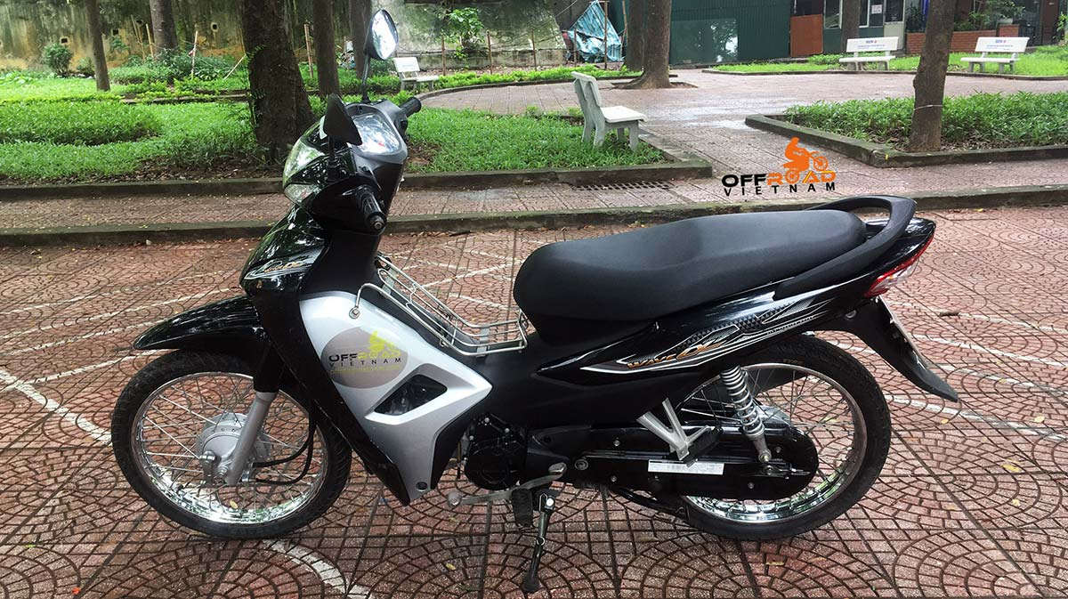 Vietnam Motorbike Hanoi Rental - For Beginners. Vietnam Motorbike Hanoi Rental provides moped scooter tours and rentals in Hanoi. This is a 2017 black Honda Wave Alpha 110cc with front and back drum brakes.