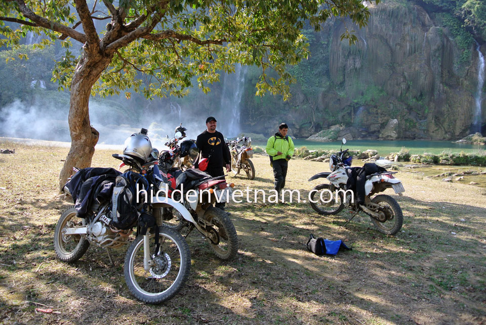 Vietnam Motorbike Hanoi Rental - Tour Guide Rental For Your Vietnam Motorbike Tours. Tour Guide Rental For Your Vietnam Motorbike Tours and have a great time. Enjoy your trip and leave everything behind for us