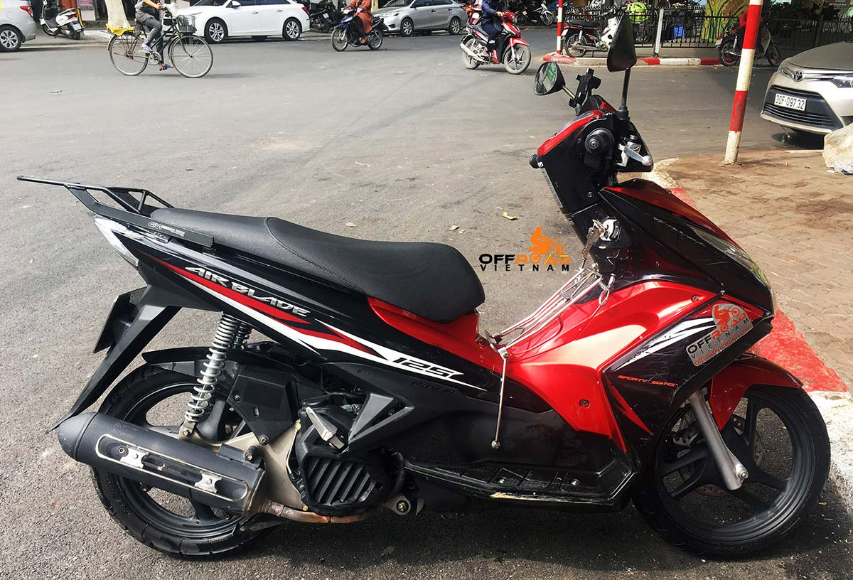 Rent automatic scooters in Hanoi to commute around. All reliable scooters from 50cc to 125cc